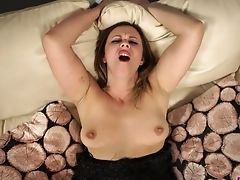 Fairly Buxom Lady Anna Joy Wishes About Wanking And Sucking Dick