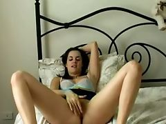 Sizzling Gf Thumbs Herself To Orgasm In Arousing Solo Vid