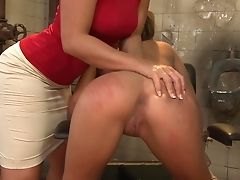 Teenage Posing For You To Love In Solo Scene