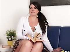 Horny Dark Haired Gal Kylie K Exposes Her Pink Cunny While Sitting
