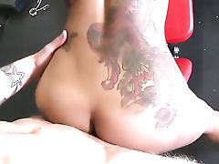 Red-haired Skin Diamond Having Oral Joy With Hot Bang Acquaintance Cody Sky