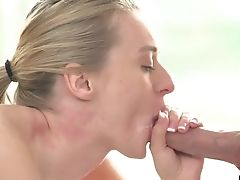 Oral Hook-up With Amazing Blonde Natalia Starr